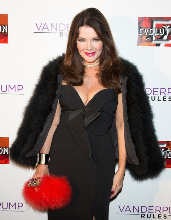 Lisa Vanderpump hot in Black Dress (2)