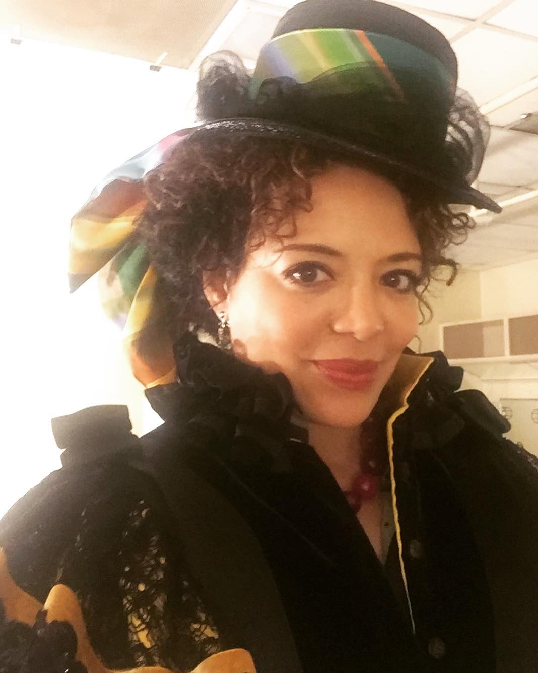 Luna Lauren Velez Beautiful Hairstyle