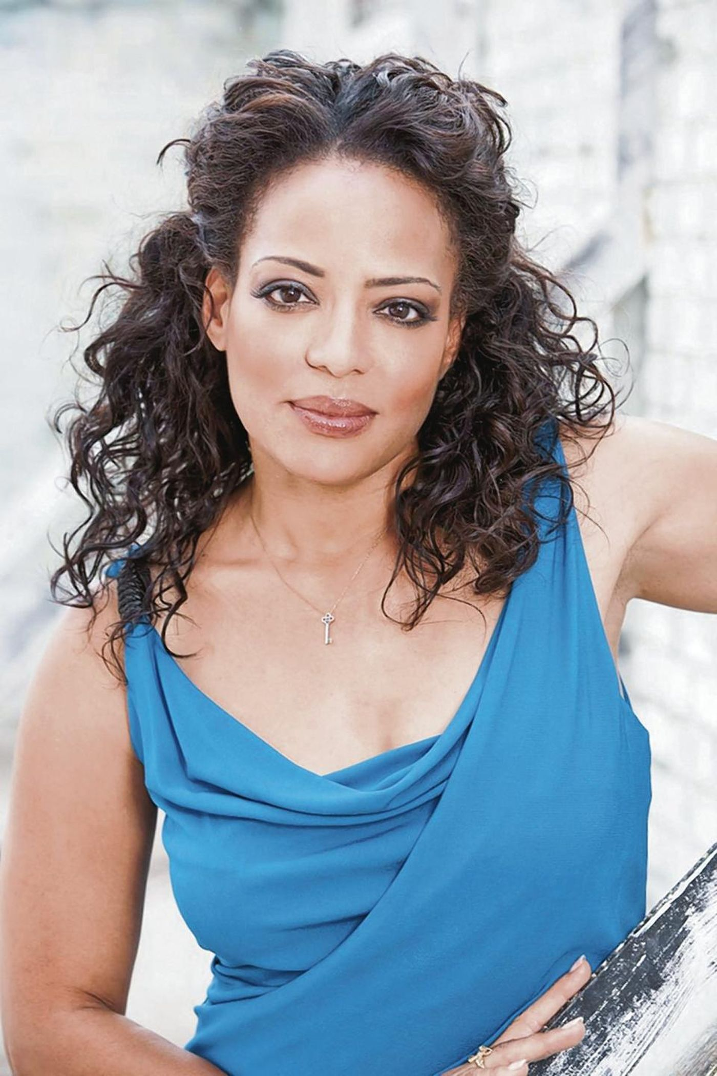 Luna Lauren Velez Beautifull