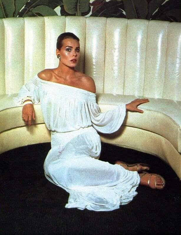 Margaux Hemingway awoesem picture