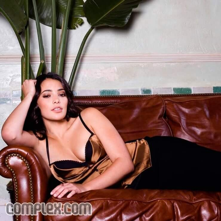 Natalie Martinez cleavages sexy pic