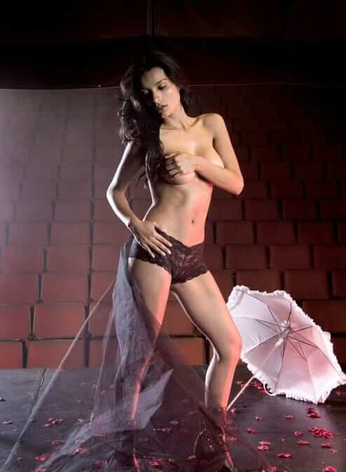 Paola Andrea Rey hot topless pic