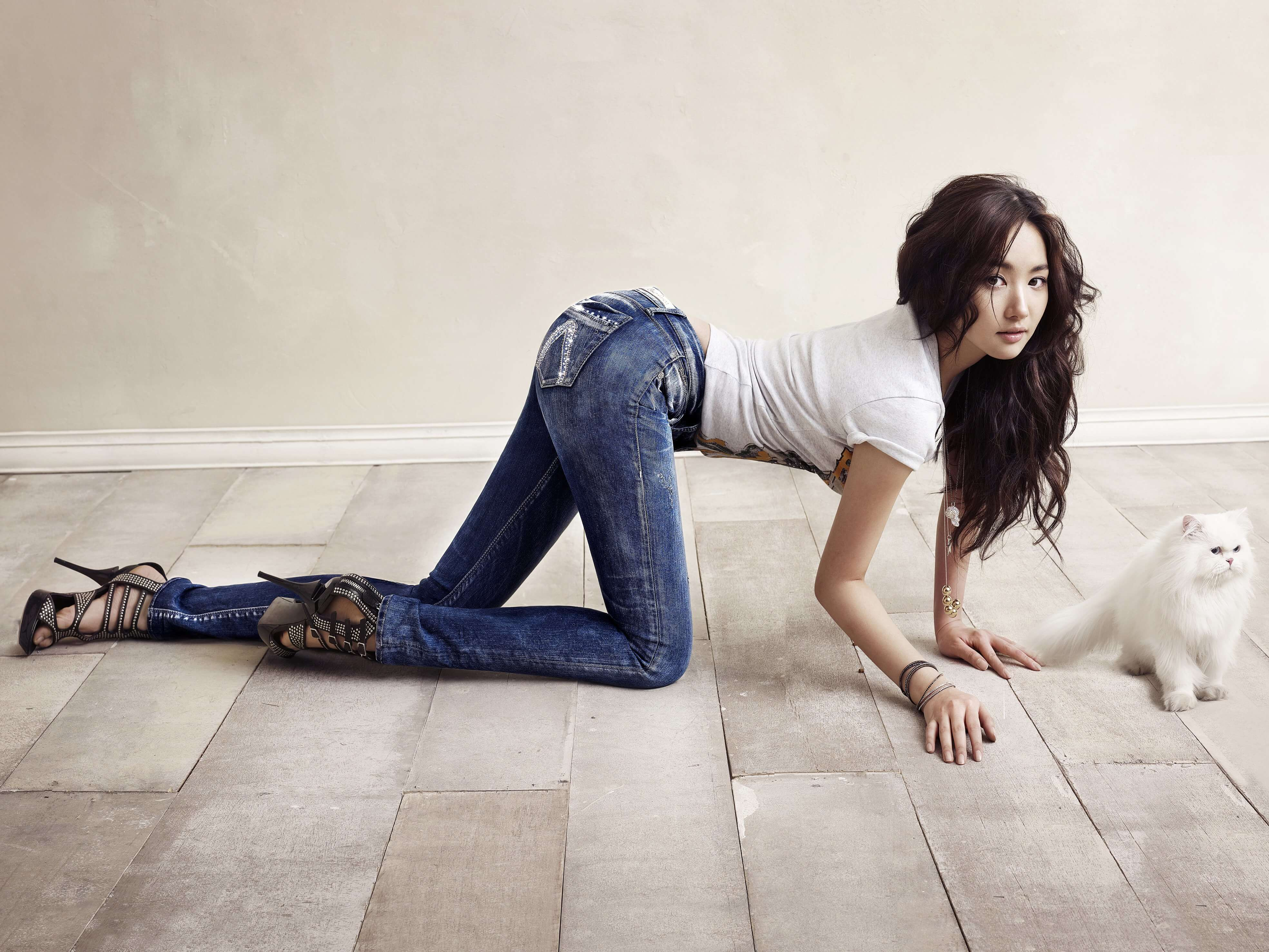Park Min Young booty