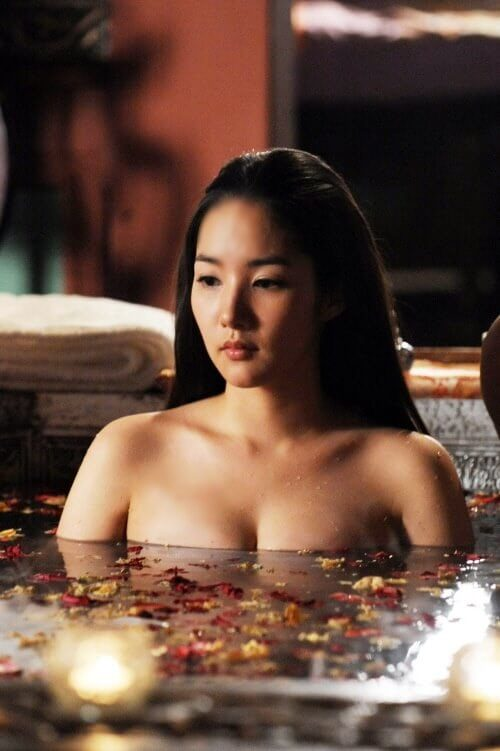Park Min Young cleavages