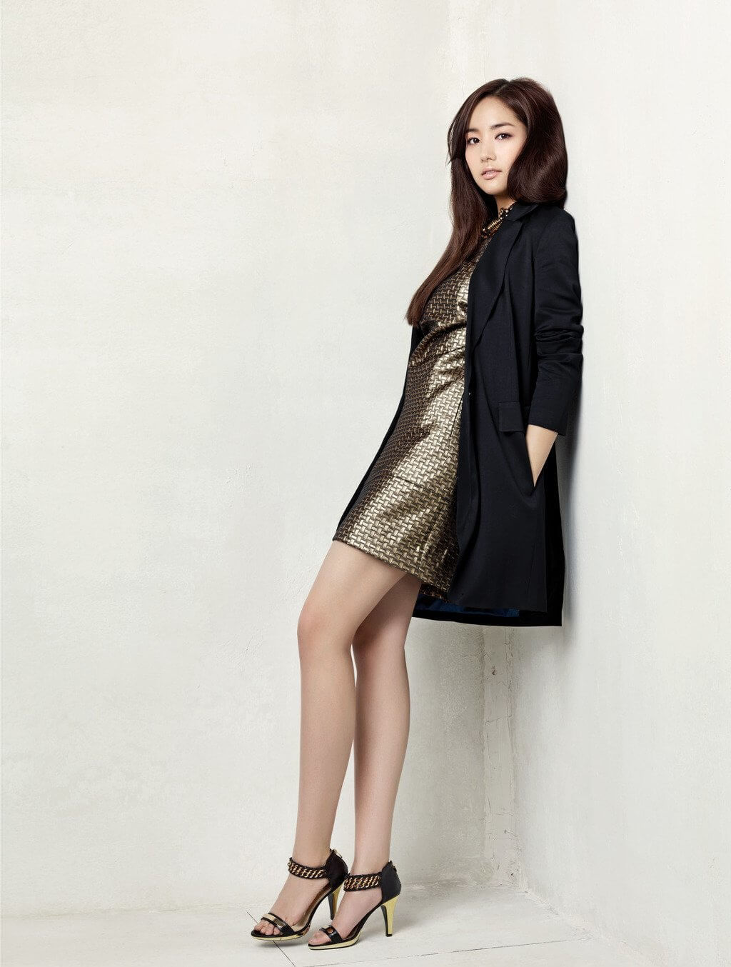 Park Min Young hot legs (2)