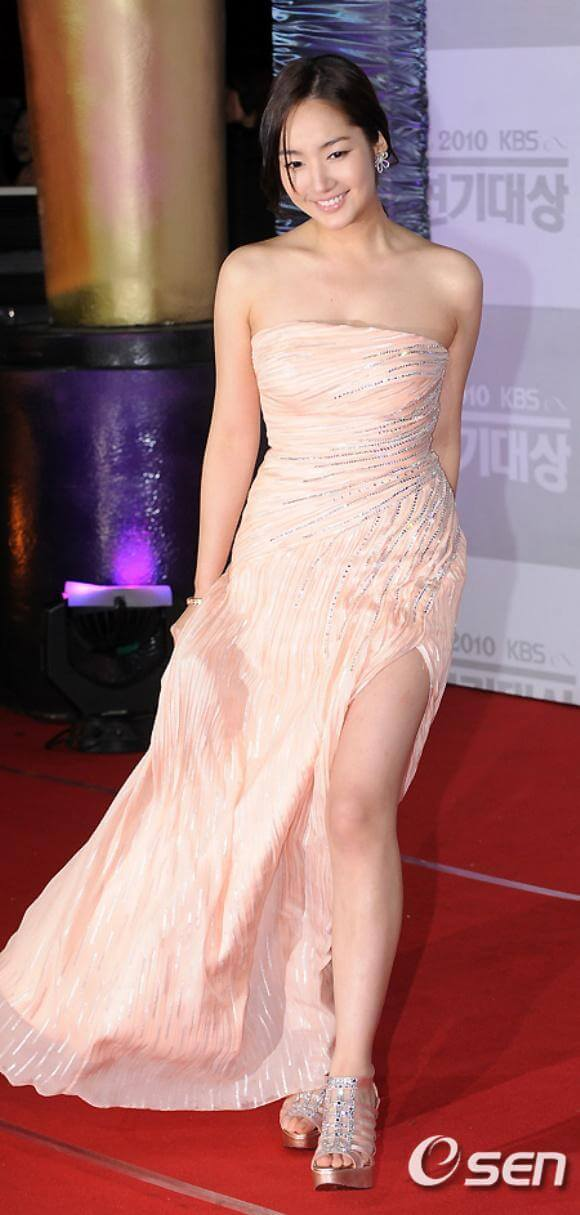 Park Min Young sexy dress