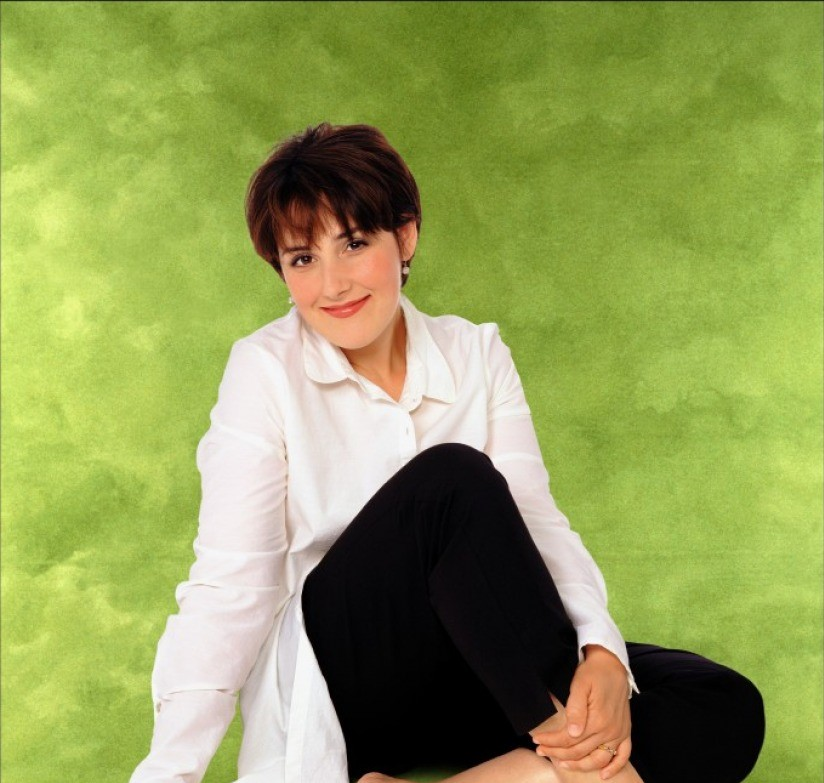 Ricki Lake Short Hair