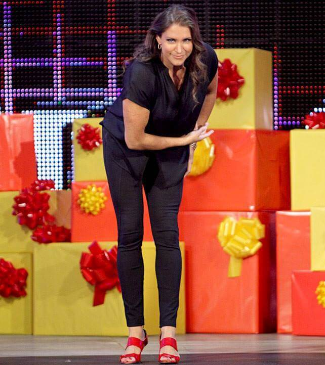 Stephanie-McMahon-Feet-1429034
