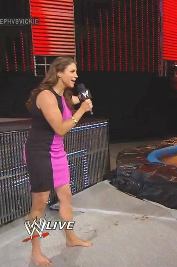 Stephanie-McMahon-Feet-1511399