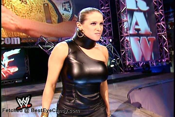 Stephanie mcmahon sexy busty pic
