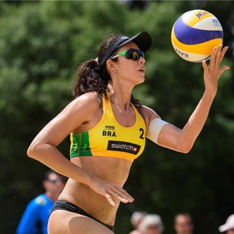 Talita Antunes with Ball