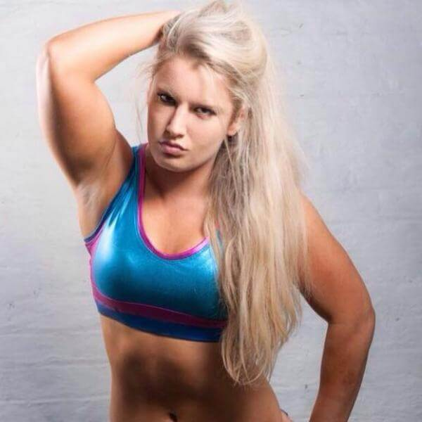 Toni Storm sexy busty pictures (2)