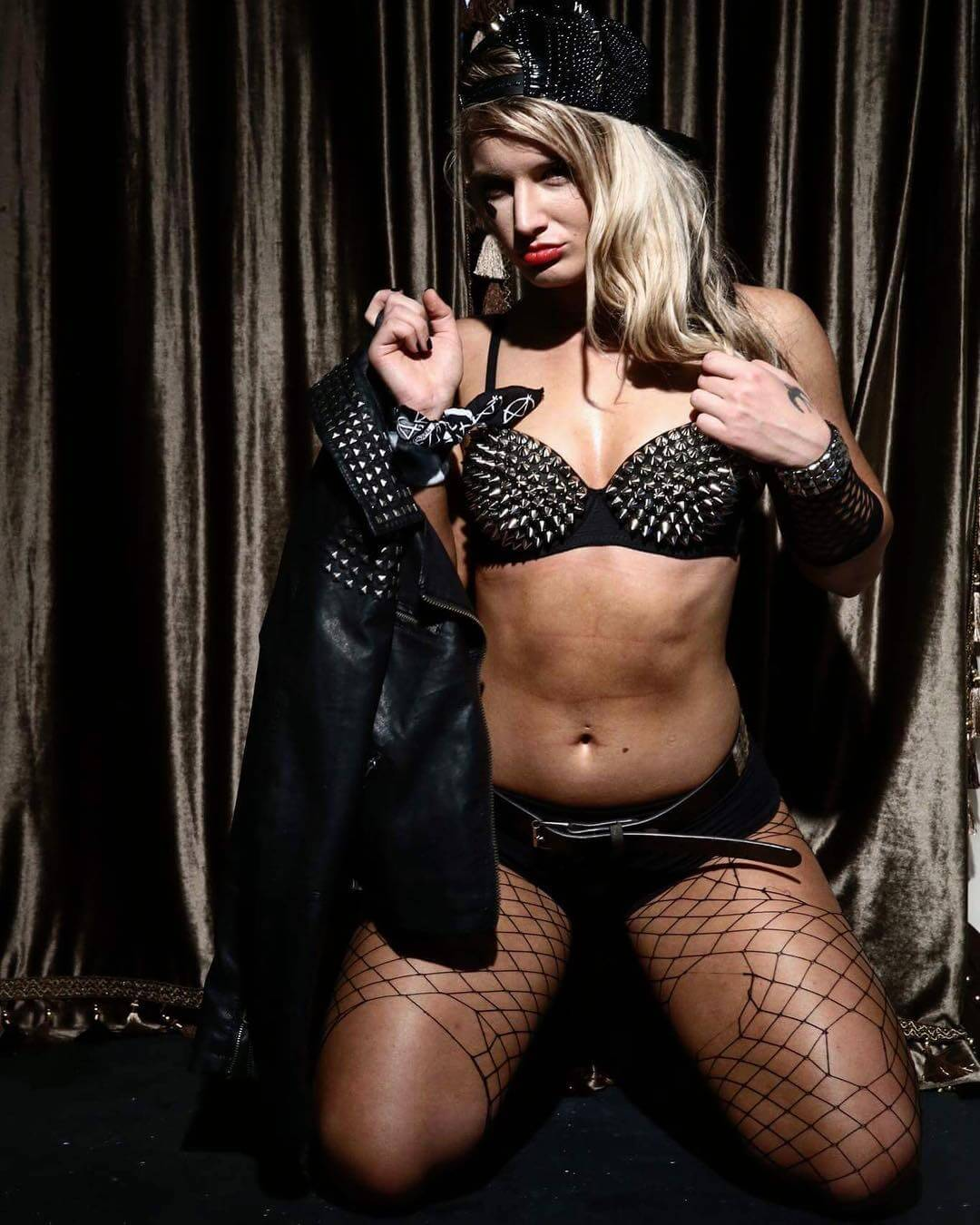 Gorgeous WWE Diva Toni Storm Confirms Relation With THIS SUPERSTAR 1