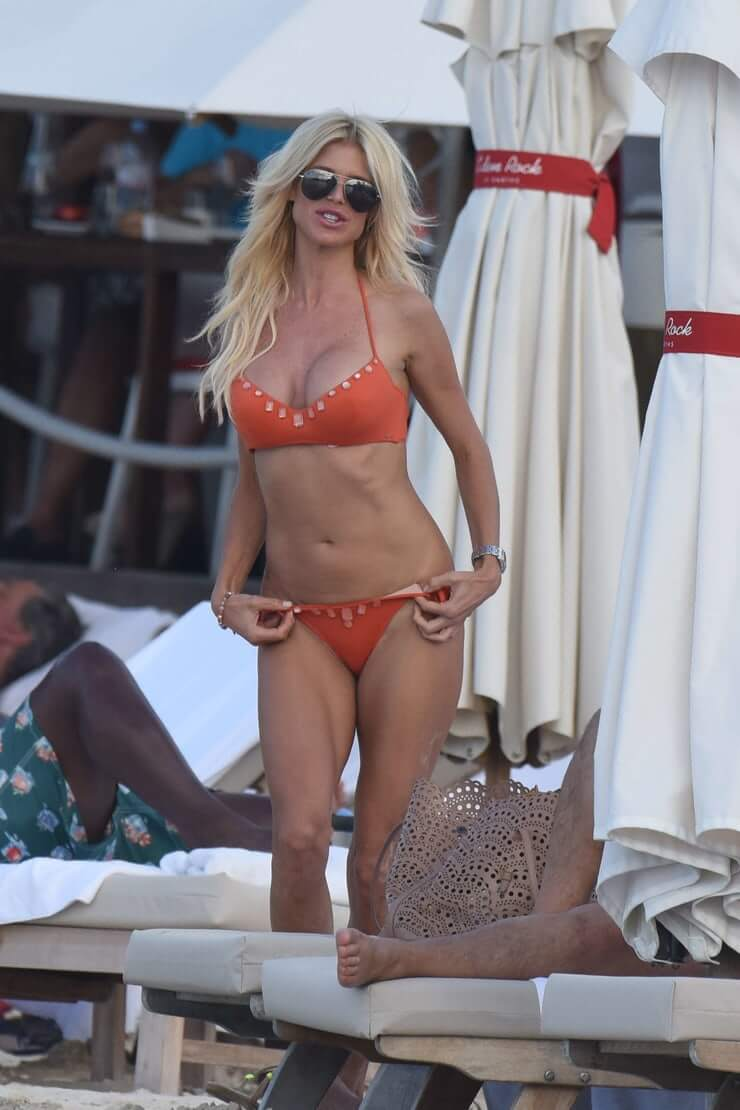 Victoria Silvstedt awesome pics