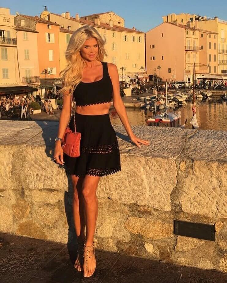 Victoria Silvstedt black sexy dress