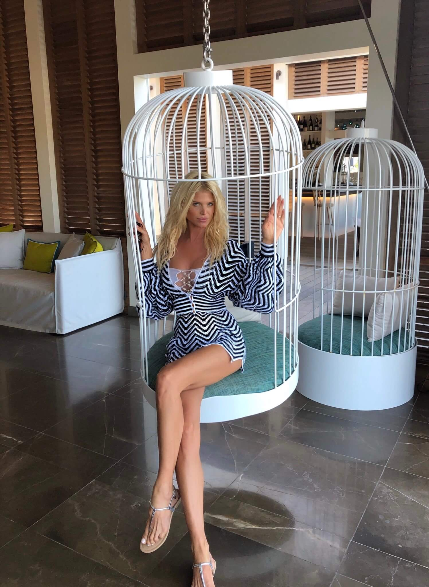 Victoria Silvstedt feet awesome