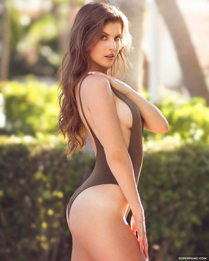 amanda cerny hot side look