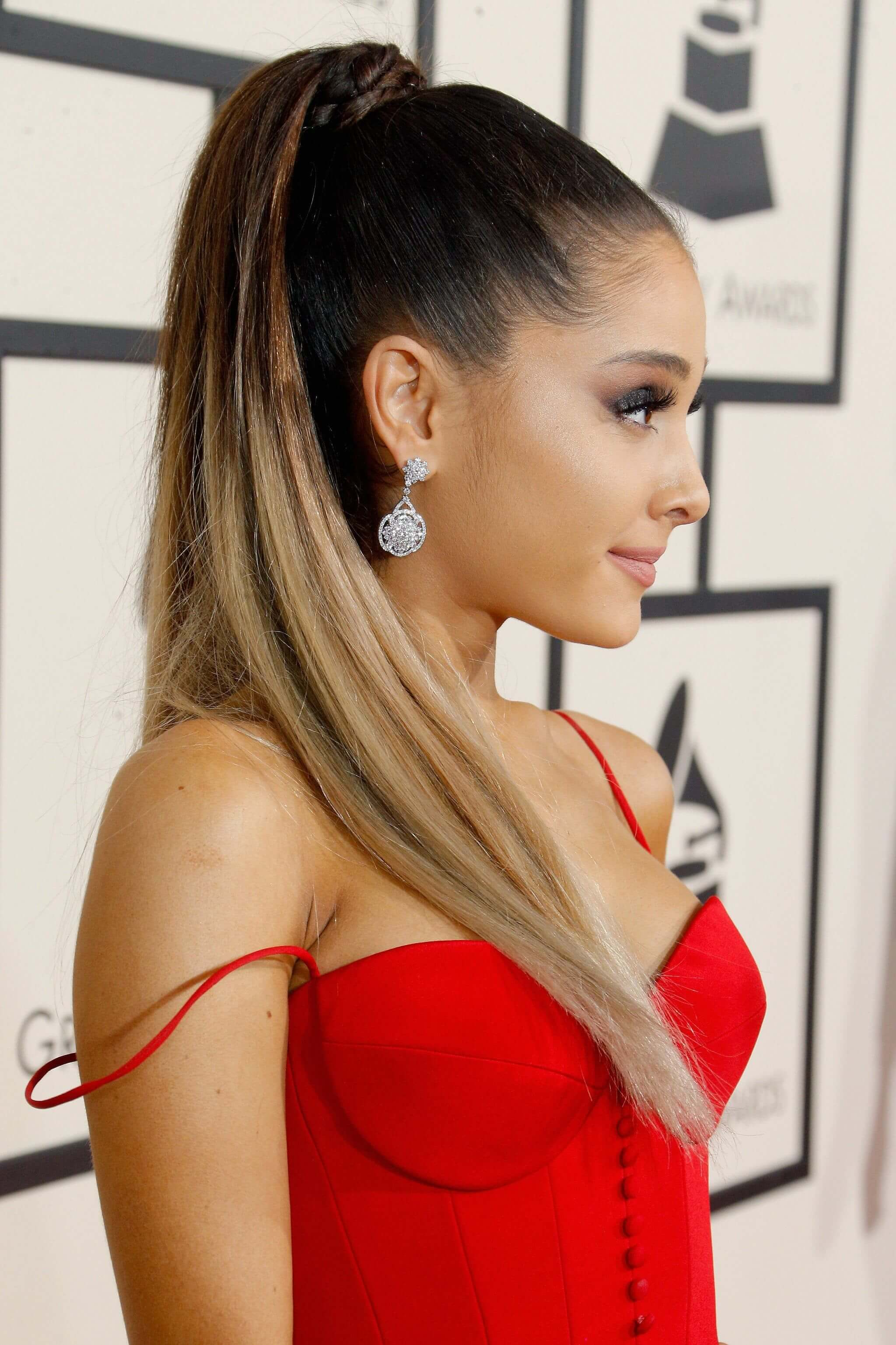 ariana-grande-too-hot