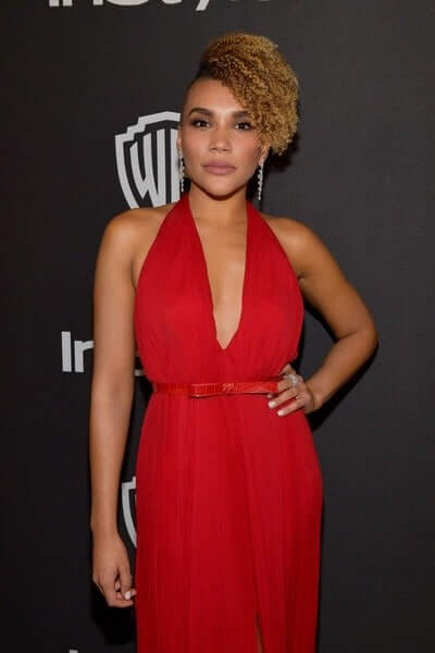 emmy raver-lampman sexy red dress pic