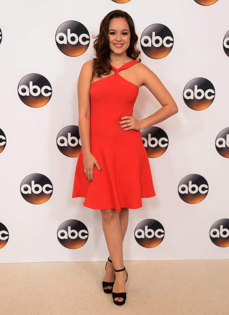 hayley orrantia red dress01