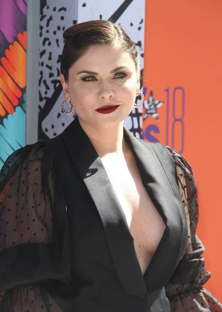 jodi lyn o'Keefe cleavage pictures