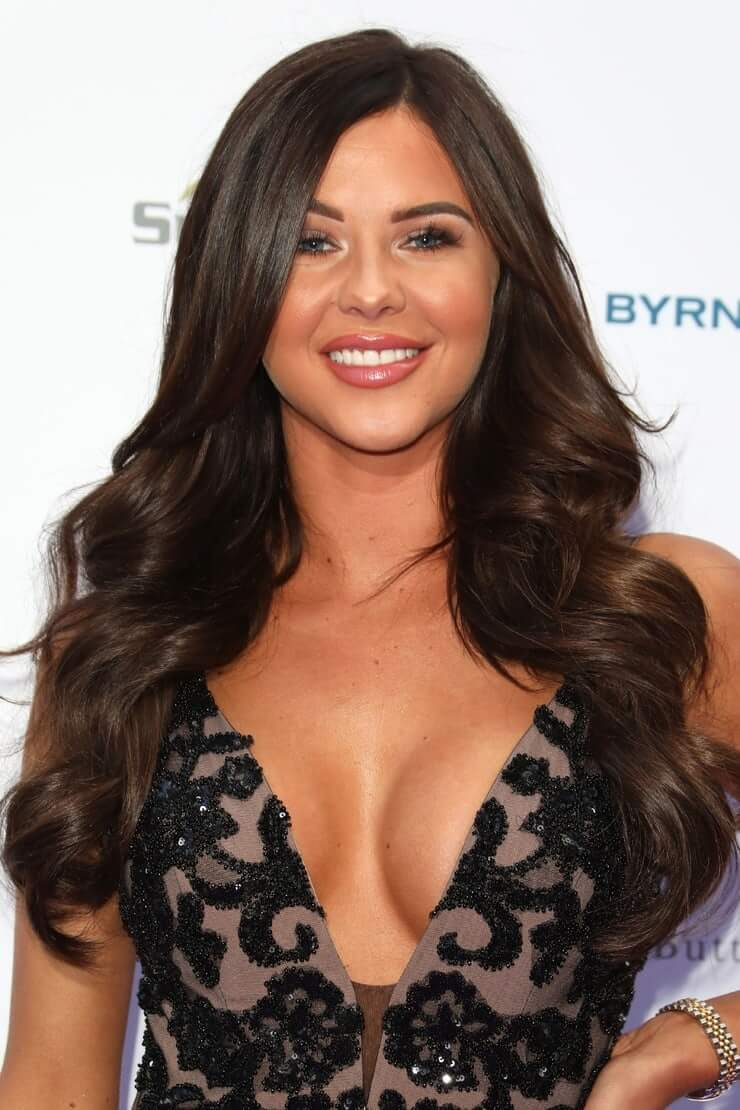 shelby tribble hot cleavages