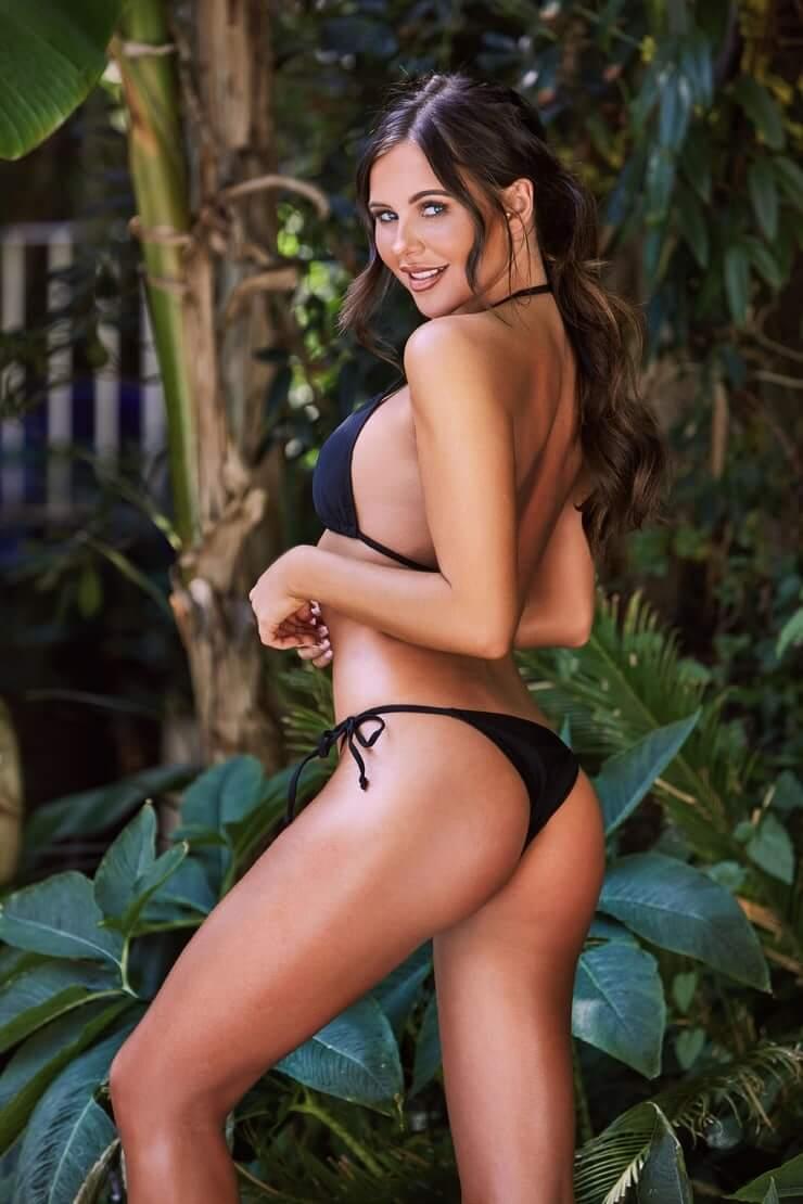 shelby tribble hot side pic