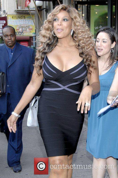 wendy williams awesome cleavage