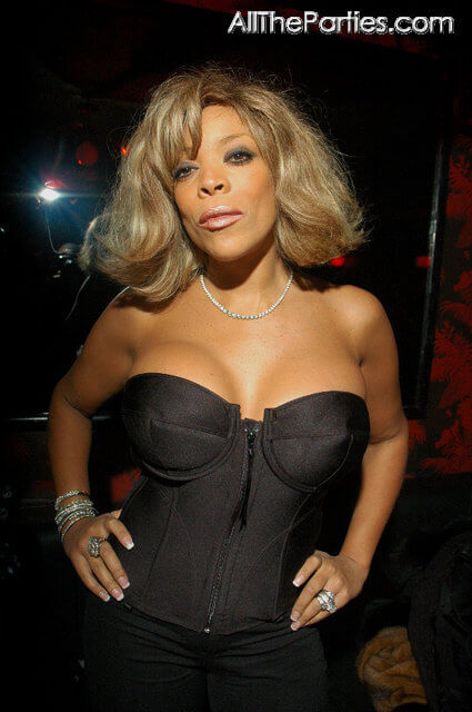 wendy williams hot cleavage