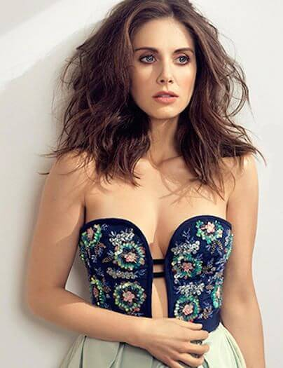 Alison Brie hot busty picture
