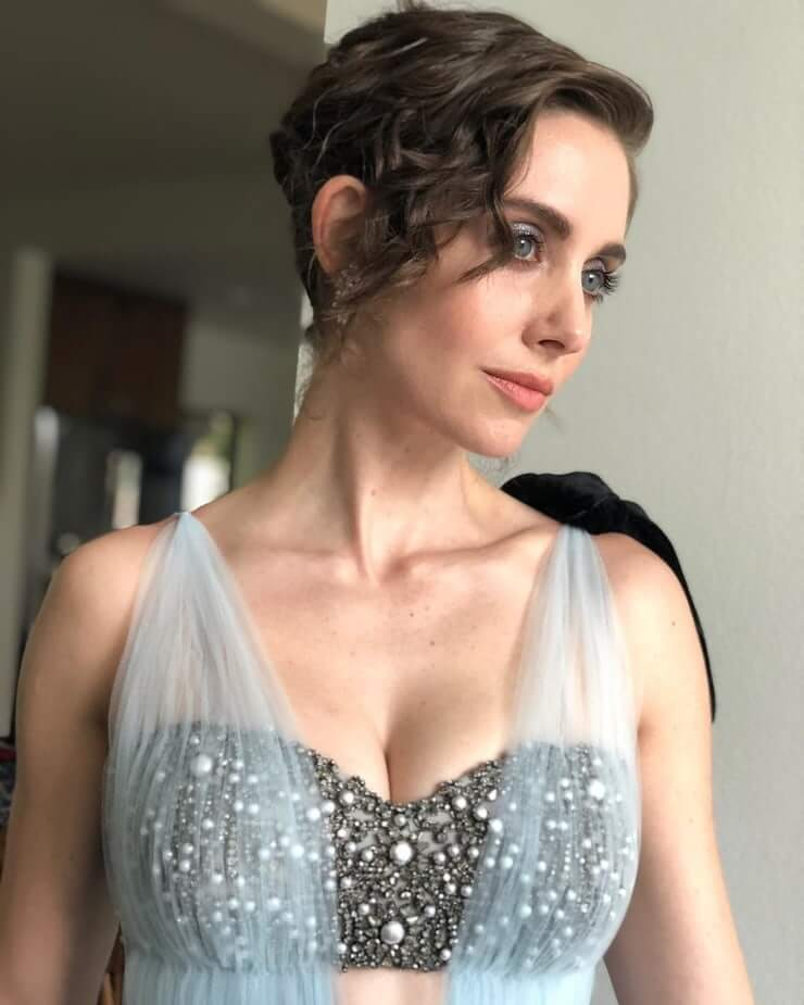 Alison Brie sexy busty picture