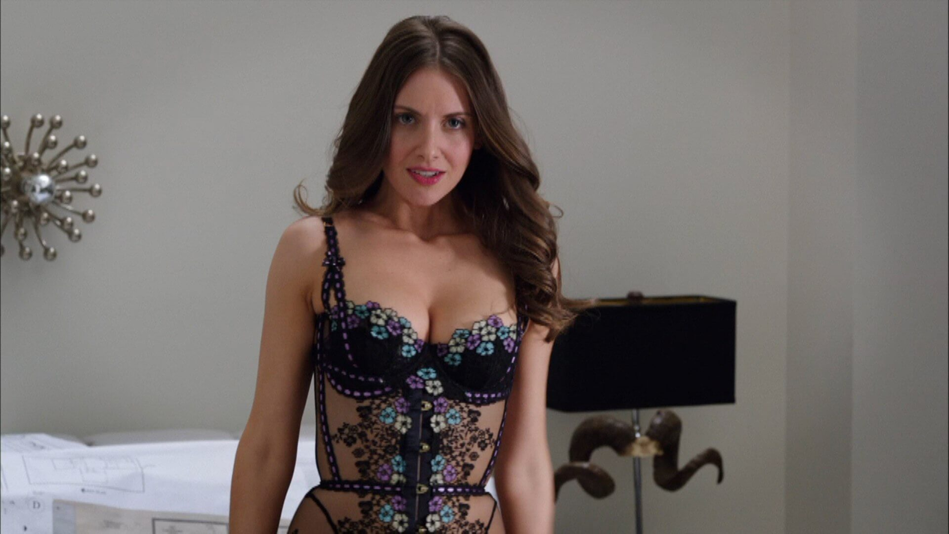 Alison Brie sexy side pictures