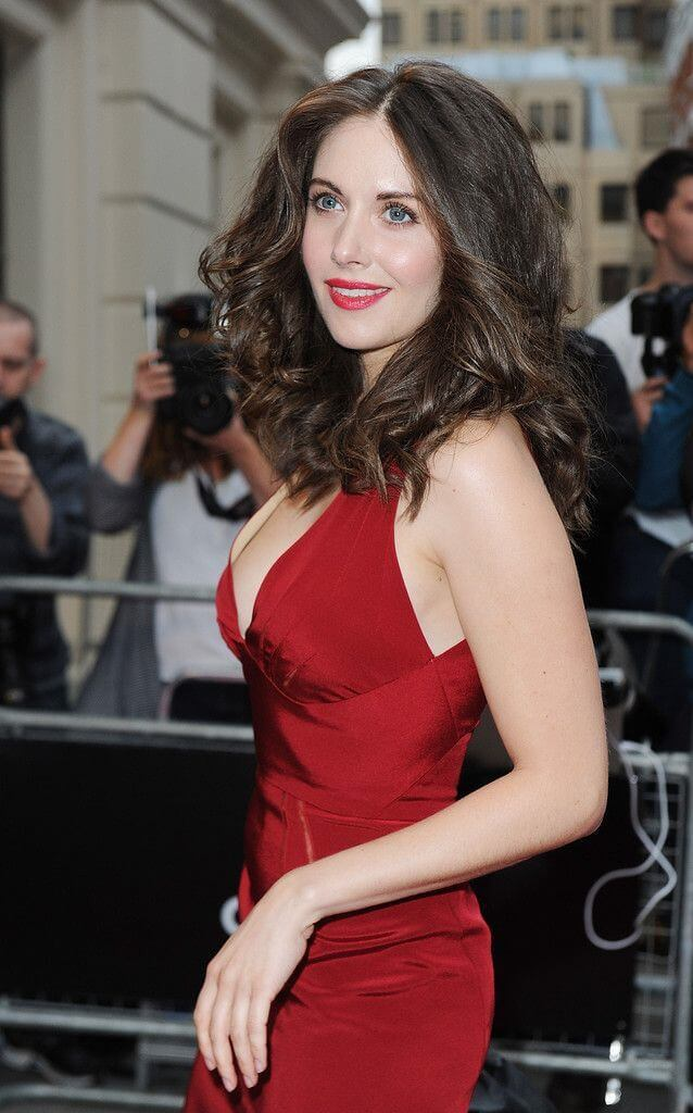 Alison Brie sexy sode pcitures