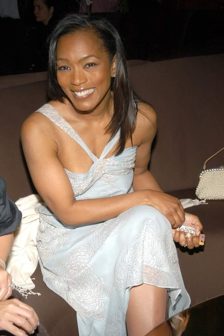 Angela Bassett Naked Pictures 49 hot pictures of angela bassett which will make your mouth
