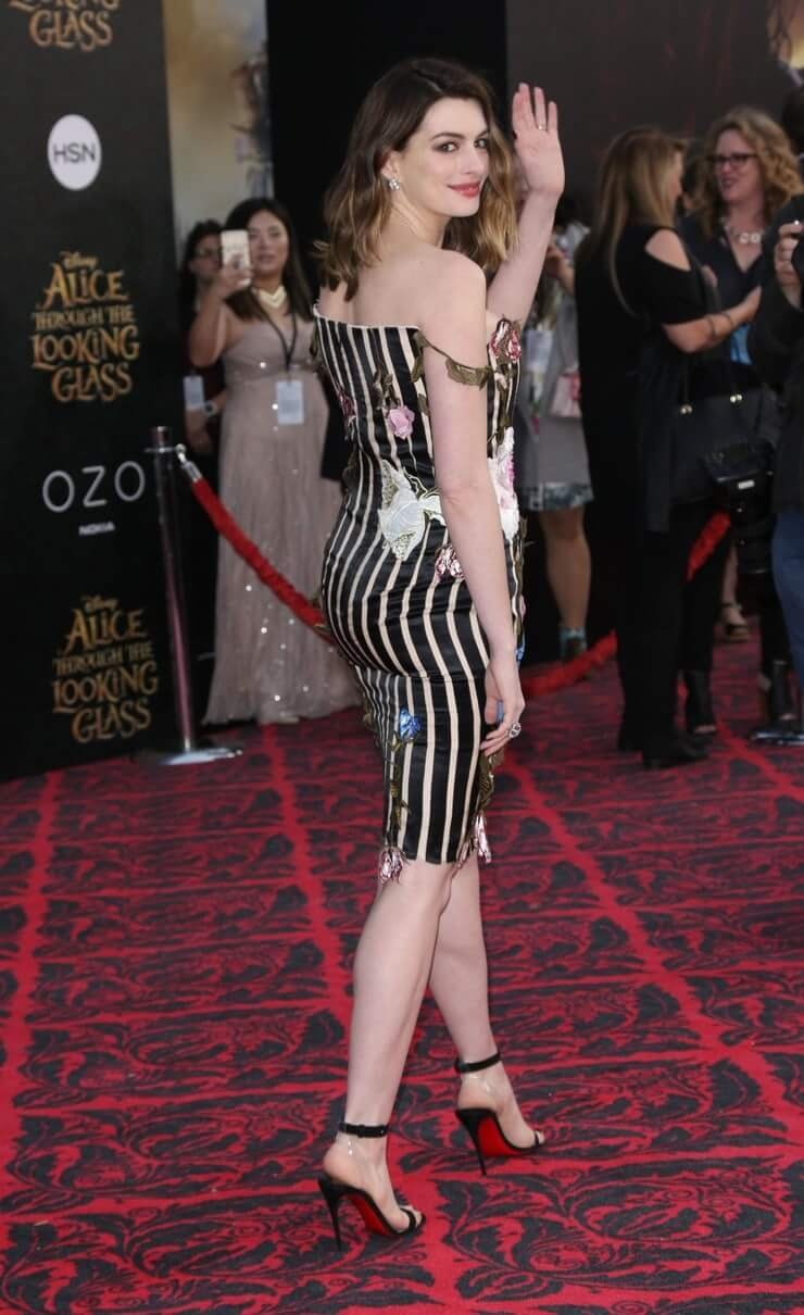 Anne Hathaway awesome pictures