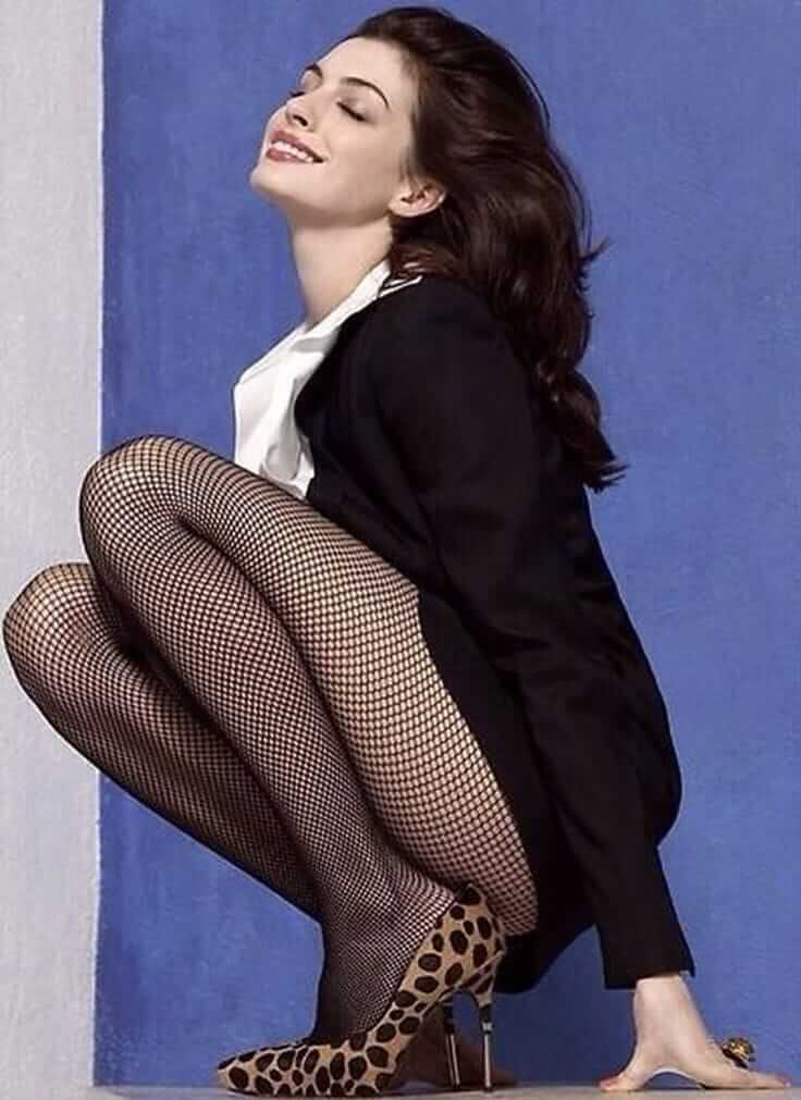 Anne Hathaway hot side pictures