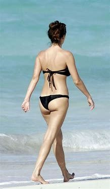 Anne Hathaway sexy booty pic