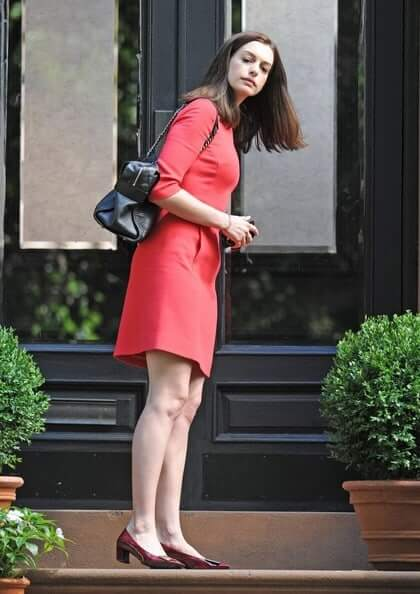 Anne Hathaway sexy butt picture