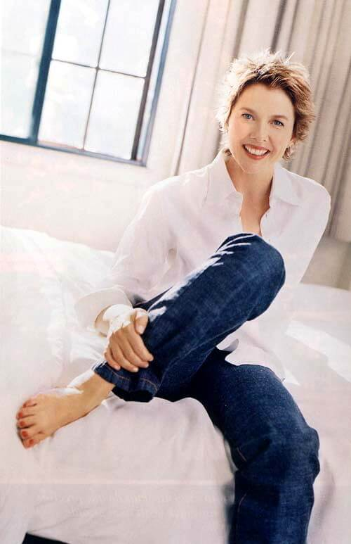 Annette Bening sexy pics