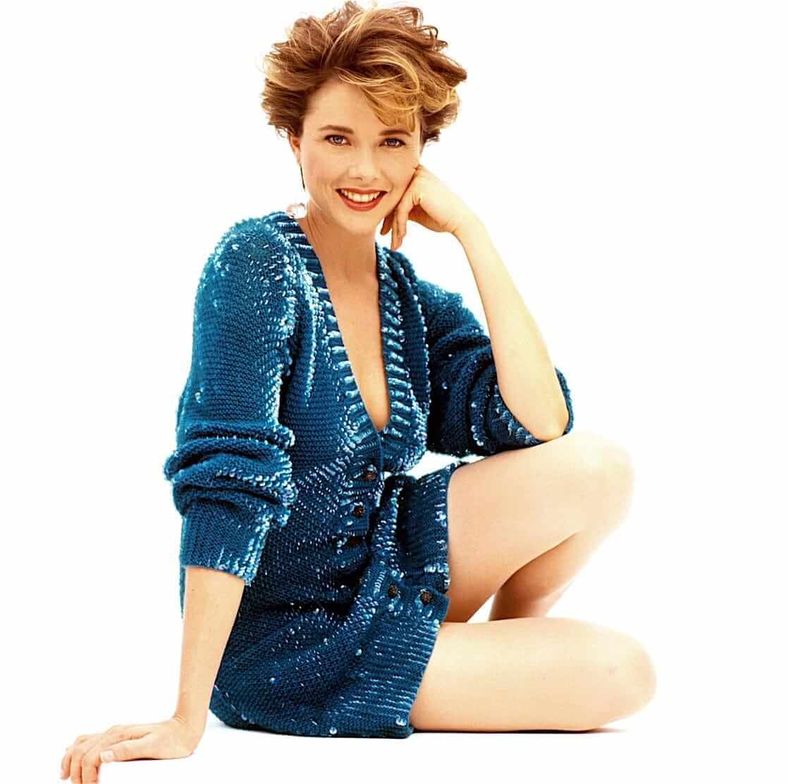 Annette Bening sexy thighs