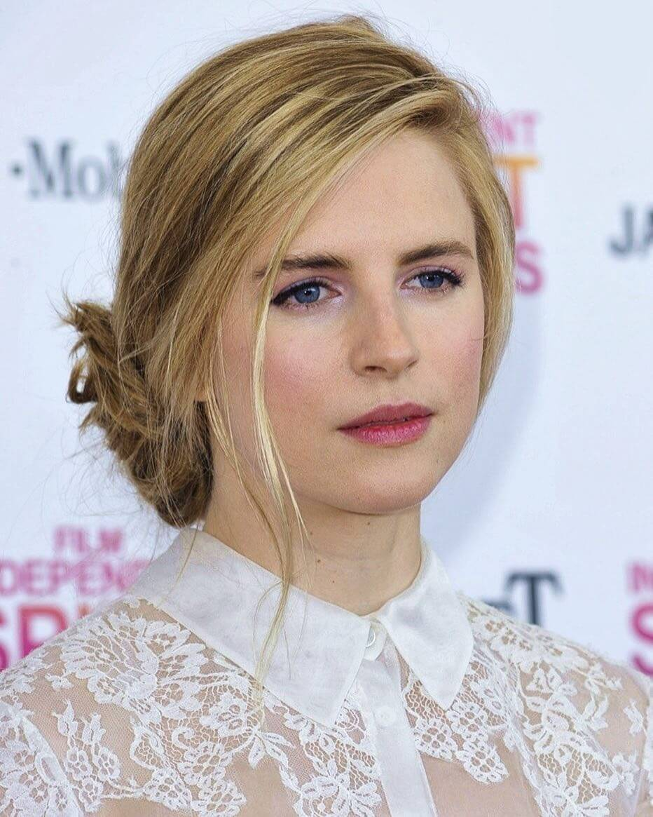 Brit Marling hot picture (2)