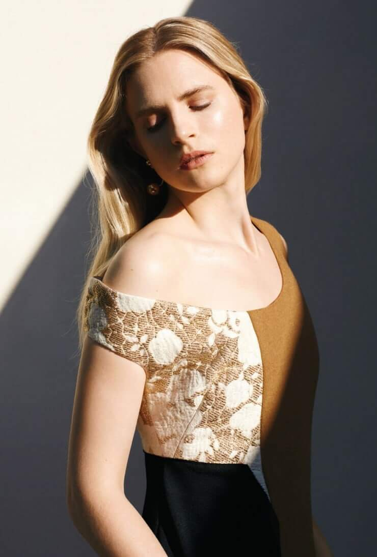 Brit Marling sexy pic