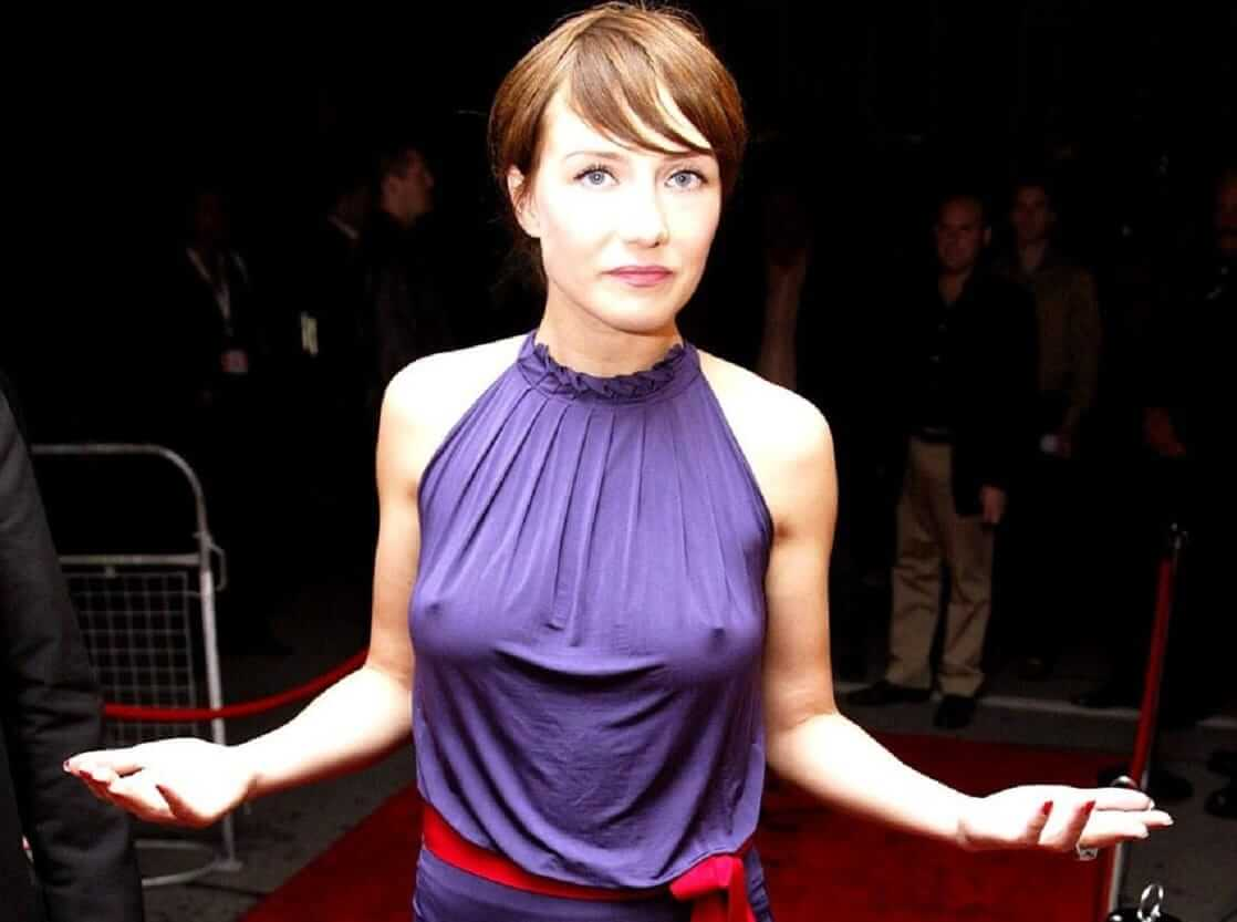 Carice van Houten lovely hot nipples (1)