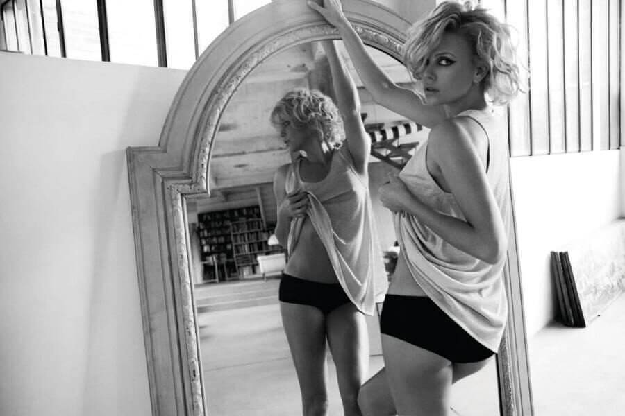 Charlize Theron hot ass pics