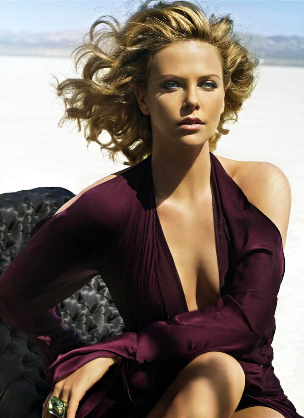 Charlize Theron hot cleavage pic