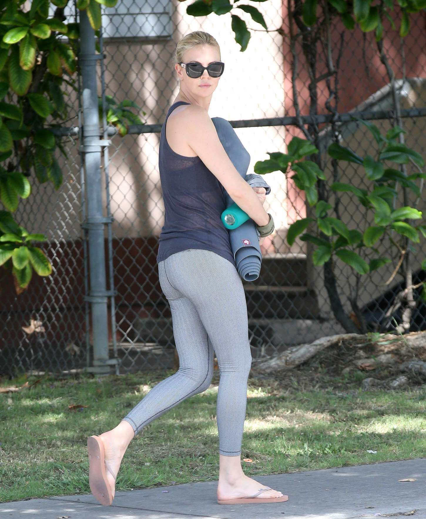 Charlize Theron sexy butt pic