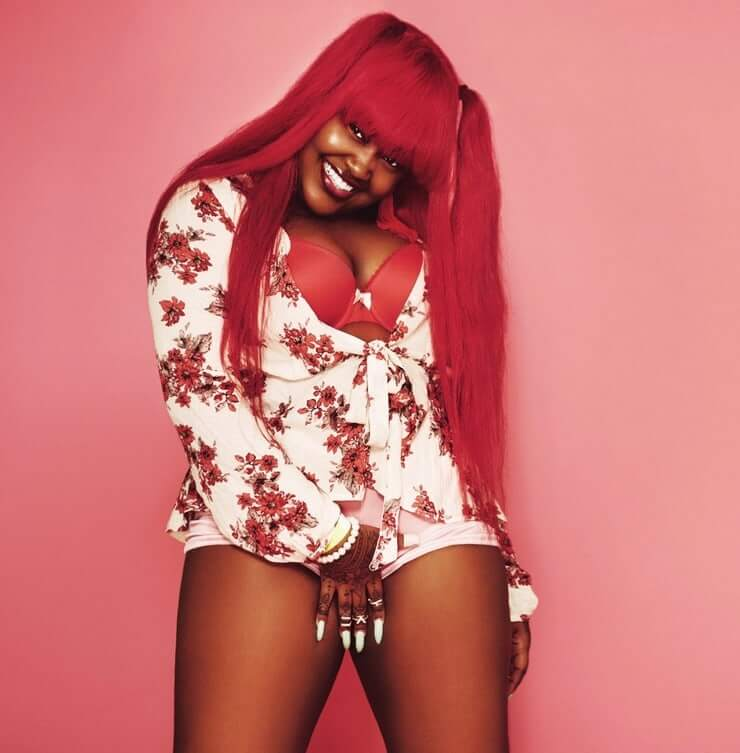 CupcakKe sexy thighs