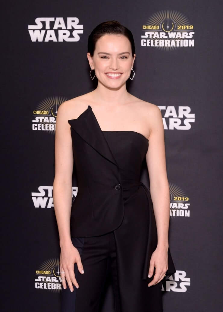 Daisy Ridley amazing pictures (2)