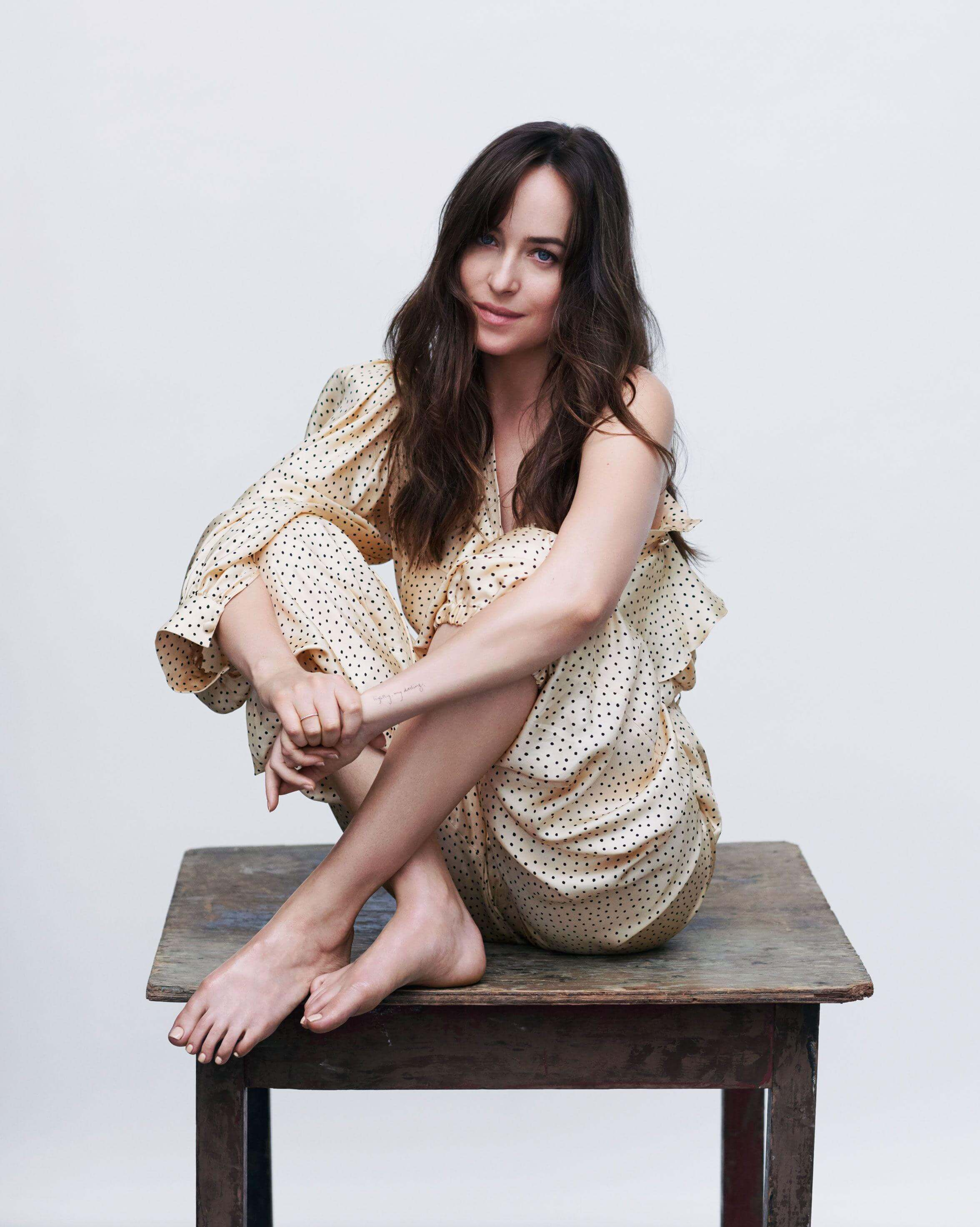 Dakota Johnson feet hot