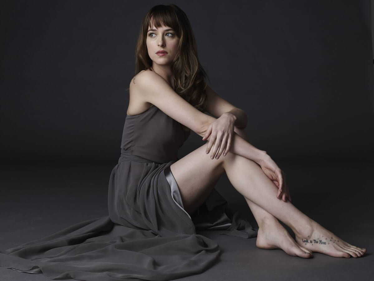 Dakota Johnson sexy feet